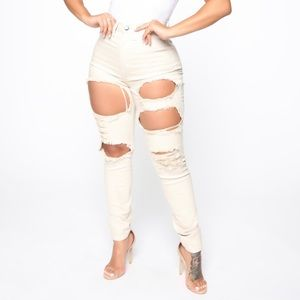 FASHION NOVA DISTRESSED TAN HIGH WAISTED JEANS❗️